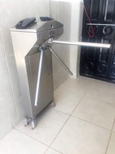 torniquete control de acceso peatonal instalado por Softeck de Irapuato